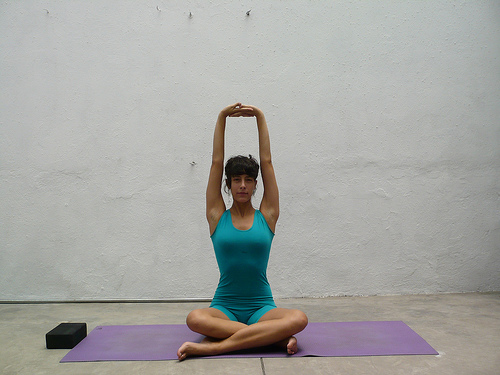 Parvatasana in Svastikasana by Iyengar Teacher Training Yoga Del Sur