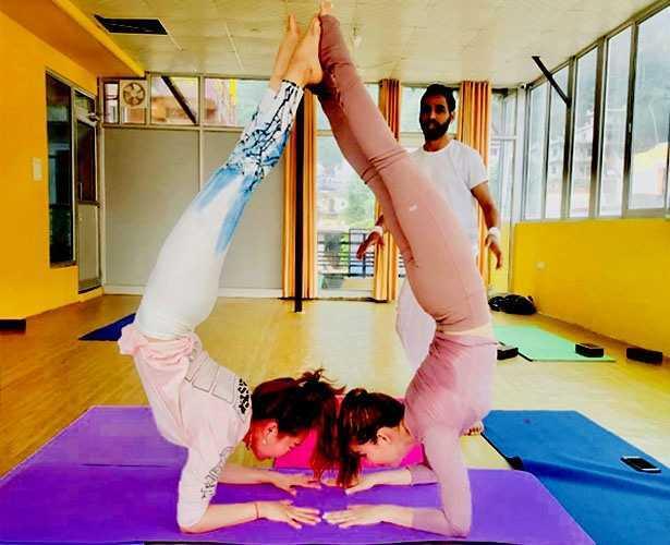 Yoga Teacher Training Course In Rishikesh India Yog Amritam Rishikesh Ihanuman