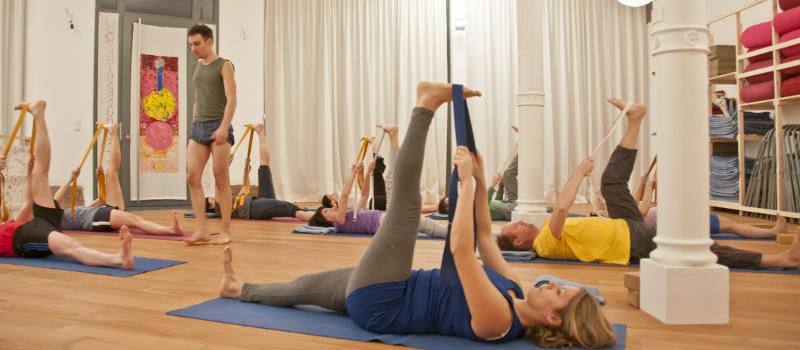 Iyengar Yoga Daniel Weisenbusch