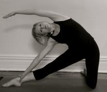 Parighasana, Adhara Yoga