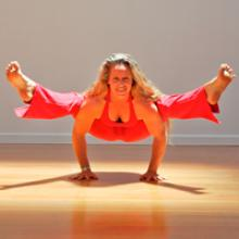 Heather Tiddens in Titibhasana